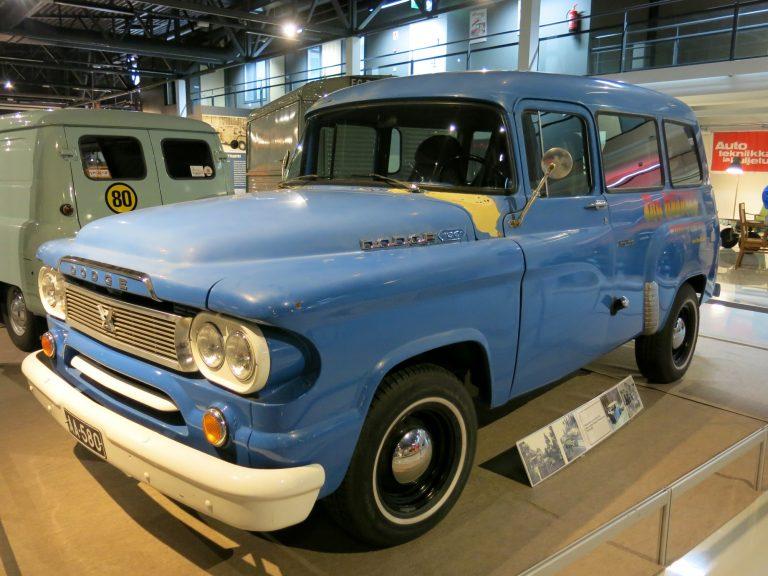 Päivän museoauto: Keikkabussinakin toiminut Suomi-Filmin entinen paku