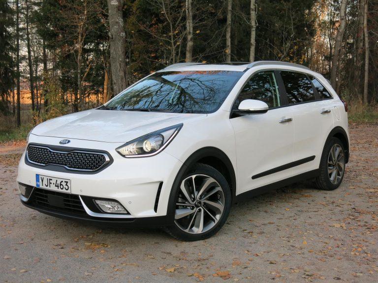 Autotoday testasi: Kia Niro Business Luxury,  näppärä hybridikatumaasturi