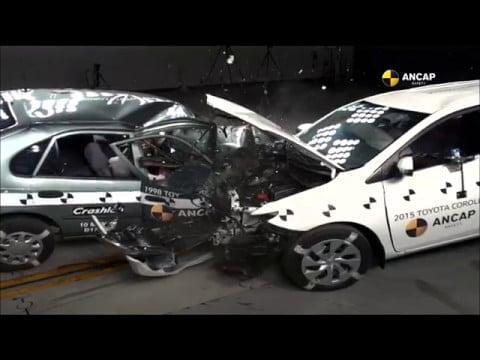 Video: Konkreettinen näyttö autojen kolariturvallisuuden parantumisesta – uusi Corolla rusikoi vanhaa Corollaa
