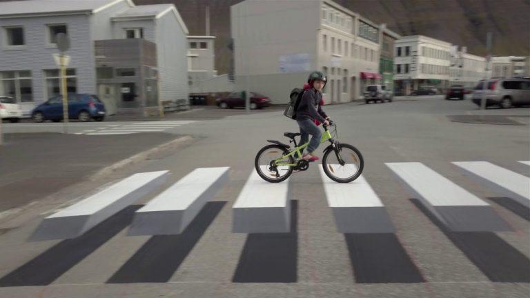 Video: Islannissa kokeillaan kolmiulotteisia suojatieraitoja