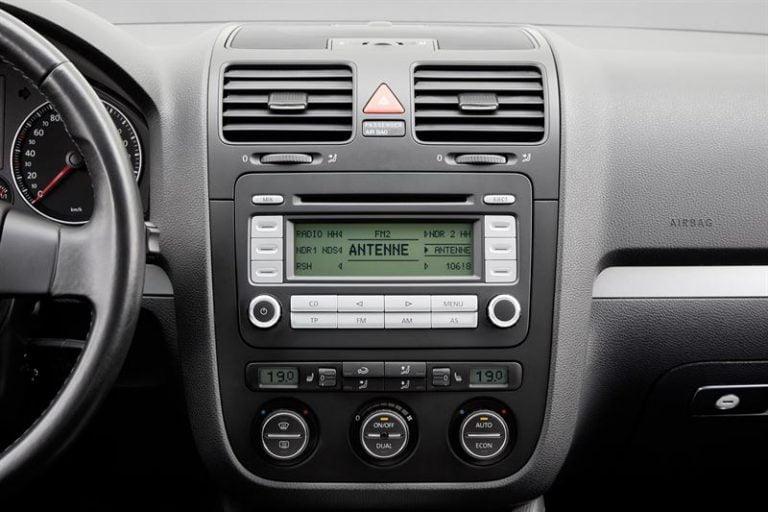 Autotodayn lukijat kuuntelevat autossa pääsääntöisesti radiota!
