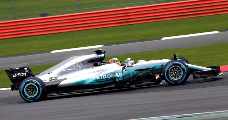 F1: Hamilton ajoi viime vuonna Brasilian GP:n voittoon — Räikkönen palkintopallille