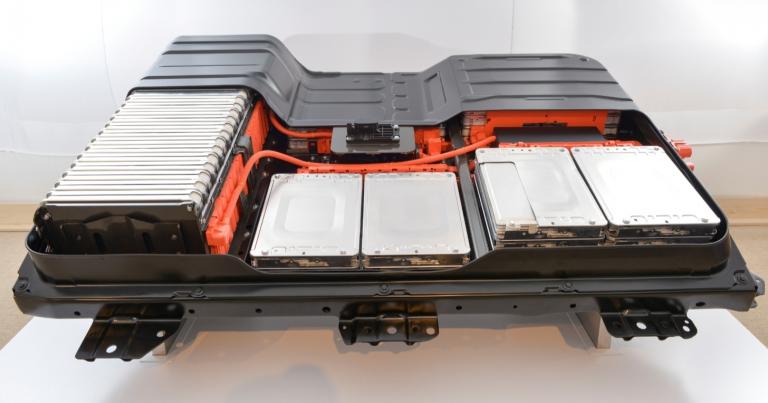 Yliopistotutkijat: Sähköautojen akkujen kierrätysjärjestelmä pitää käynnistää pikimmiten