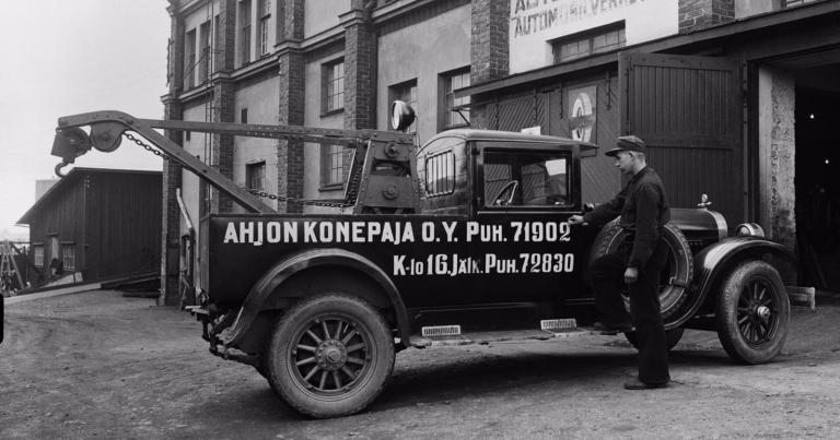 Historian havinaa: Ahjon konepajan hinausauto vuodelta 1937