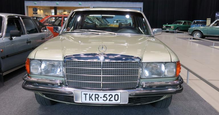 Vuoden auto:  Vuonna 1974 raati päätyi edustusluokan Mercedes-Benz 450 SE -autoon