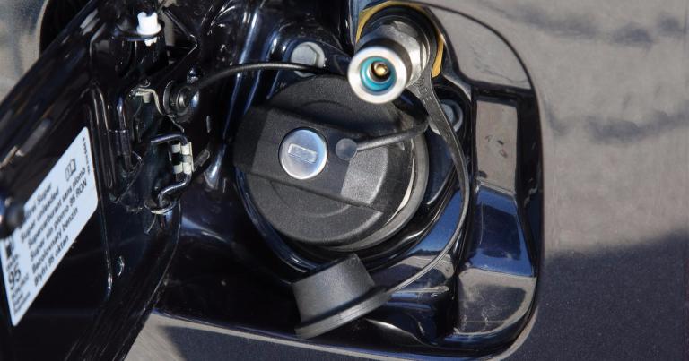 Yrityksille tarjolla kaasuautoja kiinteällä kaasun kuukaushinnalla