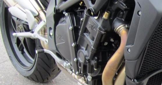 Tunnuksettoman poliisiauton ohittanut moottoripyöräilijä ajoi reilusti kolmatta sataa