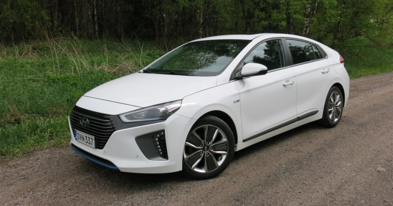 Autotoday testasi: Hyundai Ioniq Hybrid DCT Style – tavallisen auton tuntuinen hybridi
