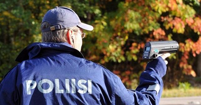 Poliisi on julkaissut sakkokäsikirjan — katso tästä sakotustaulukot