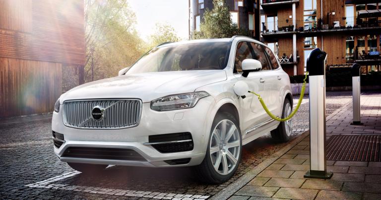 Volvo lähtee painokkaasti mukaan sähköiseen tulevaisuuteen – viisi täyssähköautoa 2019 – 2021