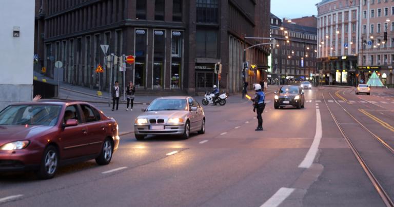 Tällaisia selityksiä poliisi kuuli Helsingin rattijuopumuspuhallutuksissa