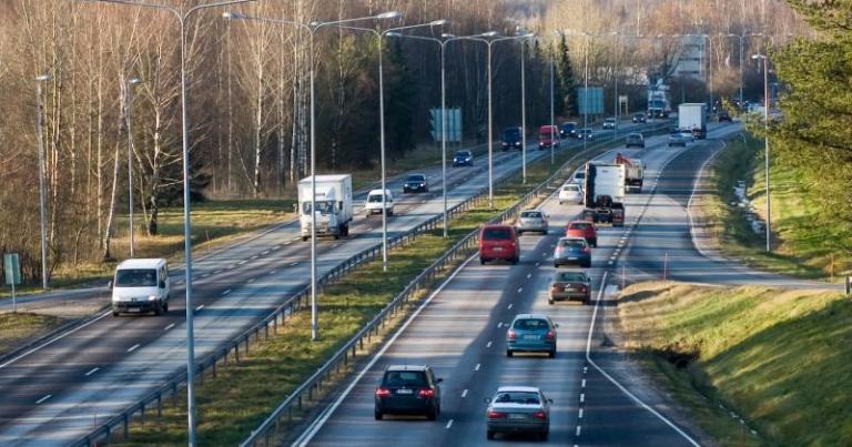 Danske Bank: Nuorten halu omistaa auto on kasvanut