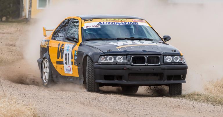 Veli-Matti Havelin juhli Pohjanmaa-rallissa BMW-mestaruutta