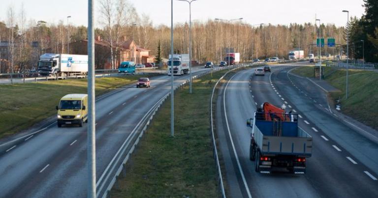 Ajokorttien ja lupien voimassaoloa pidennetään EU-poikkeusten mukaisesti