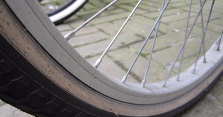Väsynyt polkupyörävaras nukahti pyörien päälle