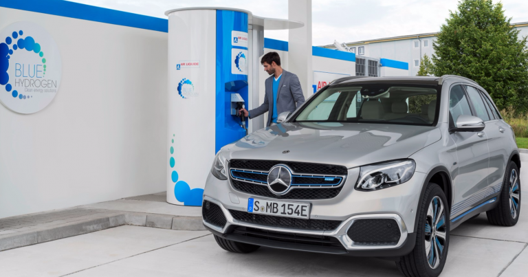 Mercedes-Benzin vetyhybridi esituotantoon