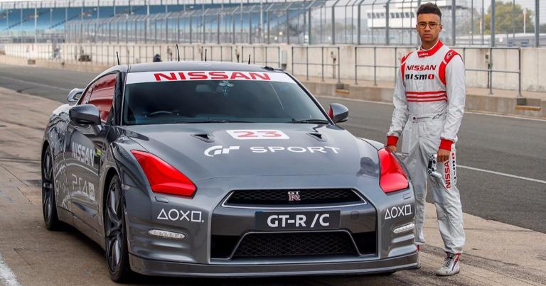 Nissan GT-R -mallia ajettiin kauko-ohjauksella yli 200 km/h Silverstonen radalla