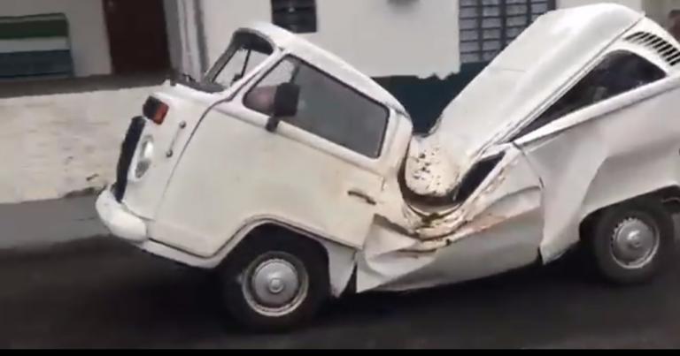 Video: Uskomatonta – tämä täysin murskana oleva VW Transporter kulkee vielä!
