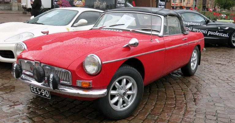 Päivän urheiluauto: Suomeen vuonna 1965 tuotu MG MGB