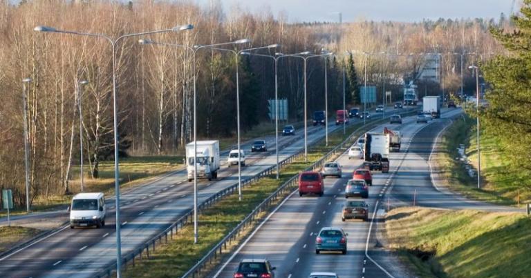Hallituksen periaatepäätös liikenteen päästöjen vähentämisestä lähtee liikkeelle konkreettisin toimin