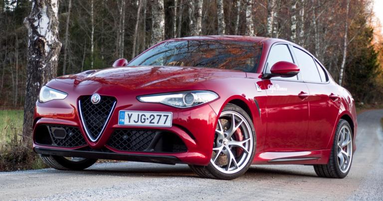 Autotoday testasi: Alfa Romeo Giulia Quadrifoglio – tunnemyrskyä ja repivää voimaa
