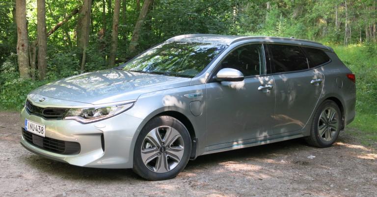 Autotoday testasi: Kia Optima Sportswagon Plug-in Hybrid -sähköllä yli 60 kilometriä