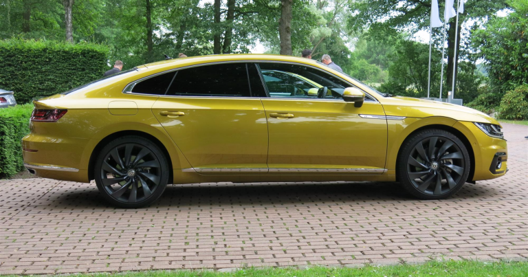 Volkswagen Arteon mallistoon uusi bensiinimoottori, 150 hv