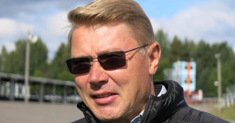 """Mika Häkkinen: """"Turvakaaren lisääminen hyvä asia"""""""