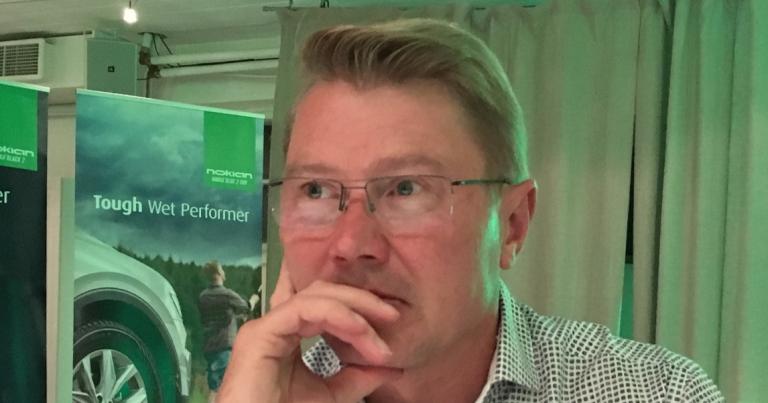 """Mika Häkkinen: """"Max Verstappen erottunut edukseen"""""""