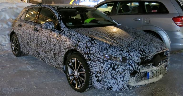Katso kuvat: Mercedeksen uusi A-sarja kuvattu Saariselällä