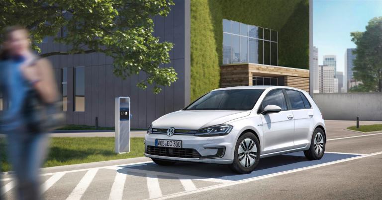 Volkswagen on nyt hinnoitellut huhtikuussa Suomeen tulevan sähkö-Golfin