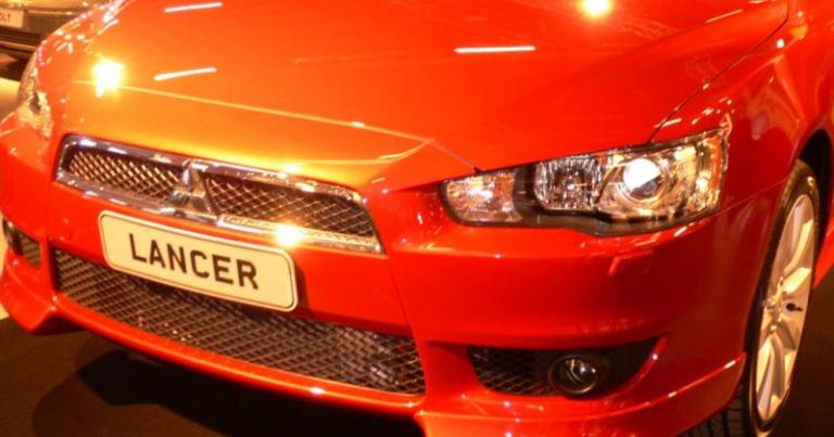 """Autotoday 10 vuotta sitten: """"Mitsubishin Lancer Sports Sedanin myynti vauhtiin Suomessa"""""""