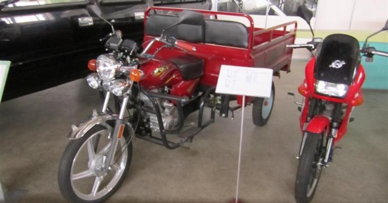 Päivän Pohjois-Korean kuva: Tavarankuljetukseen sopiva kolmipyöräinen moottoripyörä