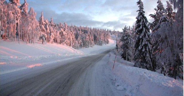 Katso tästä Autoliiton kymmenen vinkkiä hiihtolomamatkan onnistumiseksi