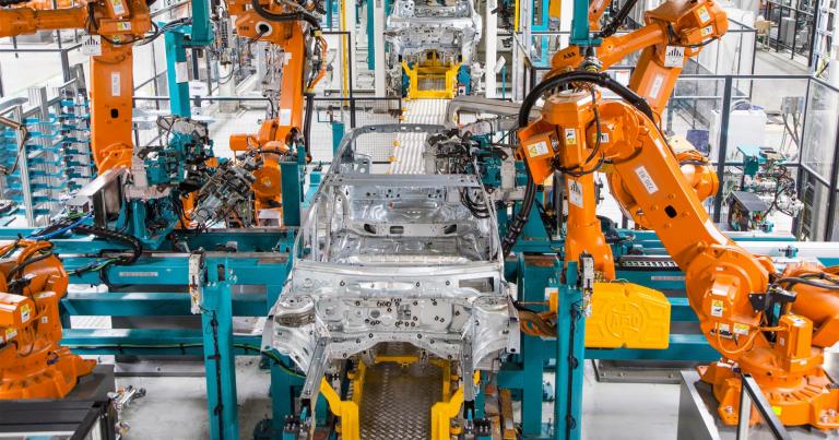 Valmet Automotive ottaa elokuussa käyttöön uuden kokoonpanolinjan — ja palkkaa taas lisää väkeä