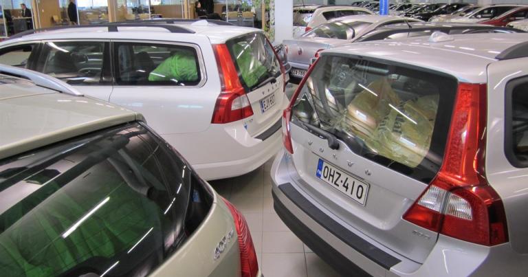 Uusi palvelu auttaa käytetyn auton ostajaa