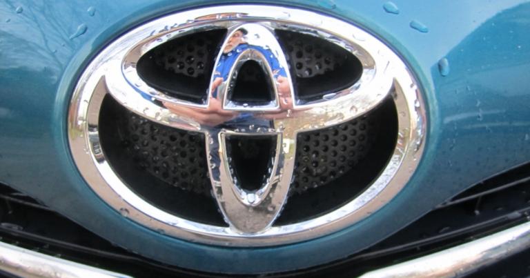 Rekisteröinti: Toyota kärjessä selvällä erolla Volkswageniin!