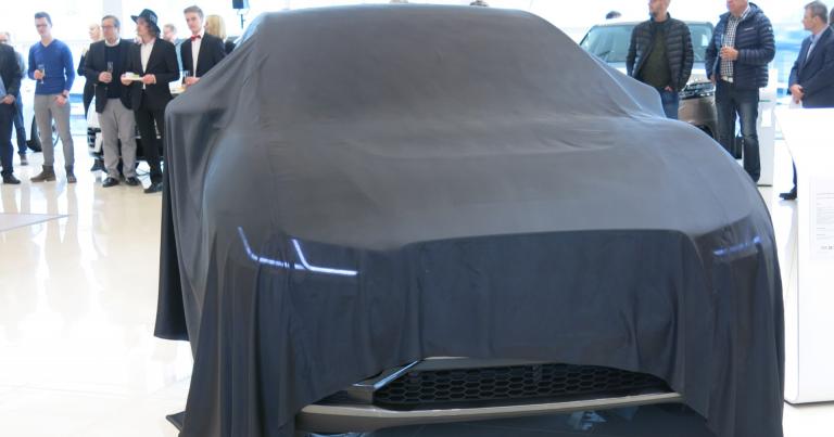 Jaguarin ensimmäinen I-Pace-sähköauto Suomessa