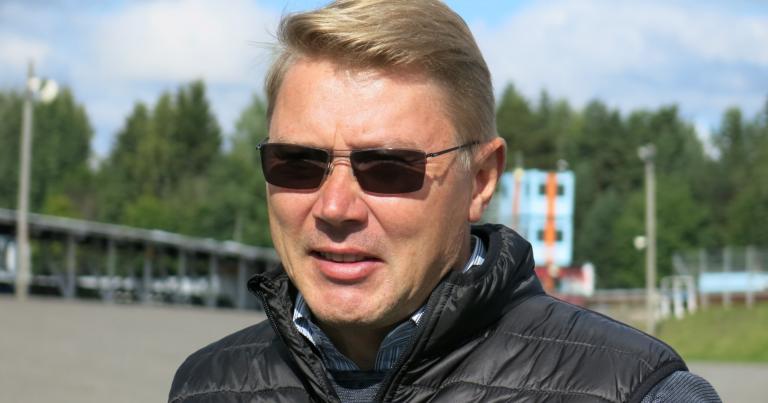 """Mika Häkkinen: """"Varikkopysähdykset otettava syyniin!"""""""