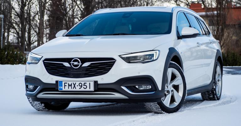 Autotoday testasi: Opel Insignia Country Tourer – erinomainen työjuhta kauppamiehelle tai lapsiperheelle