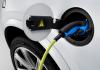 Sähköautoilu jakaa suomalaisten mielipiteet