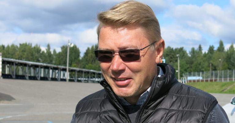 """Mika Häkkinen: """"Mercedeksellä kova savotta edessä"""""""