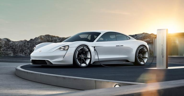 """Porschen ensimmäinen sähköauto on """"eloisa nuori hevonen""""!"""