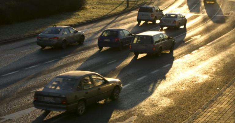 Ajoneuvokannan keski-ikä jatkaa tasaisesti vanhenemistaan — romutettavaksi viedään entistä vanhempia autoja