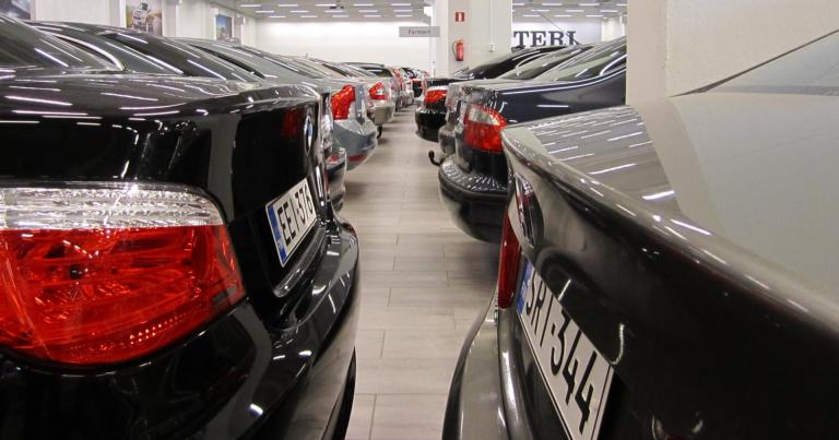 Rekisteröinti: Kesäkuussa merkittävä nousu henkilöautokaupassa