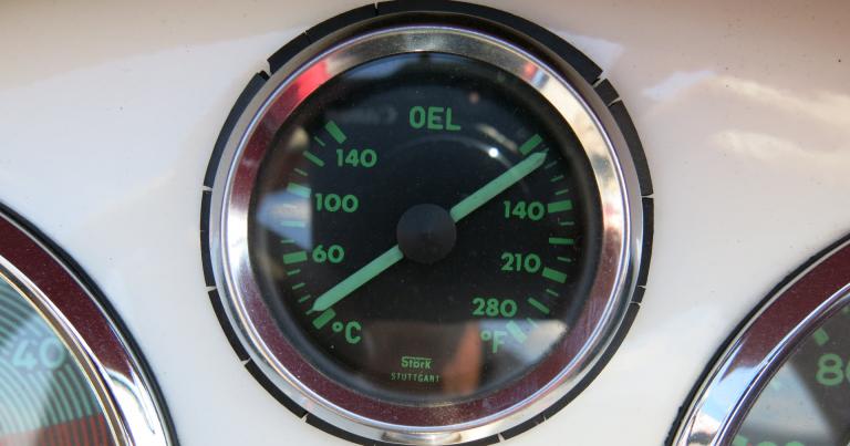 Päivän kuva: Näin helposti näytetään öljylämpötila sekä Celsius- että Fahrenheit-asteilla