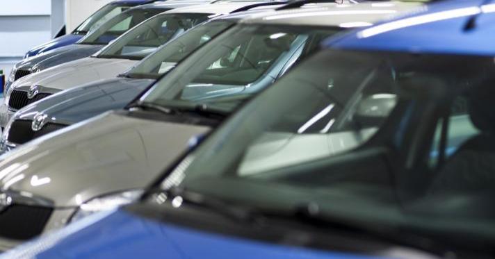 Autotoday 10 vuotta sitten: Autokauppa käy niin hyvin, että ennusteet nostettiin!