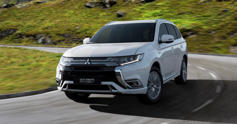 Uusi Mitsubishi Outlander -mallin pistokehybridi on saanut hinnat