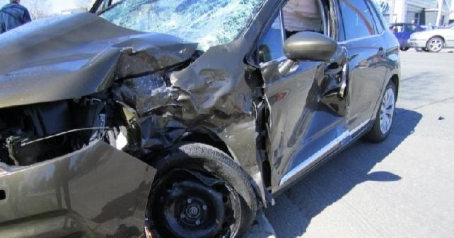 Nuoret kuljettajat aiheuttaneet noin joka viidennen kuolonkolarin — suuri osa turmakuljettajista päihtyneitä