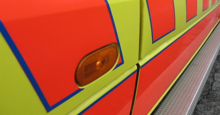 Henkilöauto liukkaalla kelillä ojaan – kuljettaja menehtyi